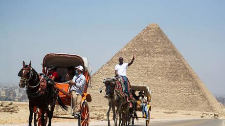 الحكومة المصرية تحدد المناطق الممنوع البناء فيها مدى الحياة بعد 3 أشهر