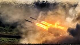 انطلاق الإنتاج المتسلسل لقاذفة لهب ثقيلة روسية مطورة ((TOS-2)) 5f05972e4c59b77b2e1a8c4a