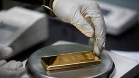 سعر الذهب يسجل مستوى قياسيا منذ 2011