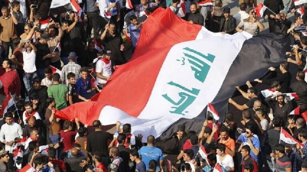 مراهق عراقي تعرض للإهانة والضرب على أيدي رجال أمن يطالب بالعدالة