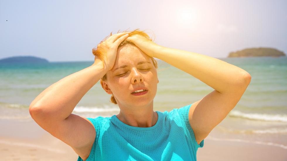 4 علامات تدل على الإصابة بضربة شمس