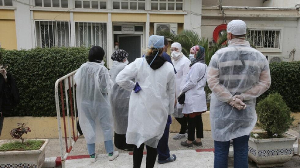الجزائر.. وفاة 3 أطباء وممرض بكورونا خلال 24 ساعة