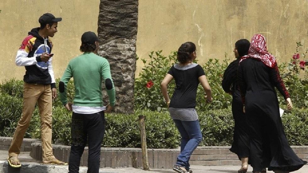مصر تحدد عقوبة إفشاء سرية بيانات المجني عليهم بجرائم التحرش والإعتداء الجنسي