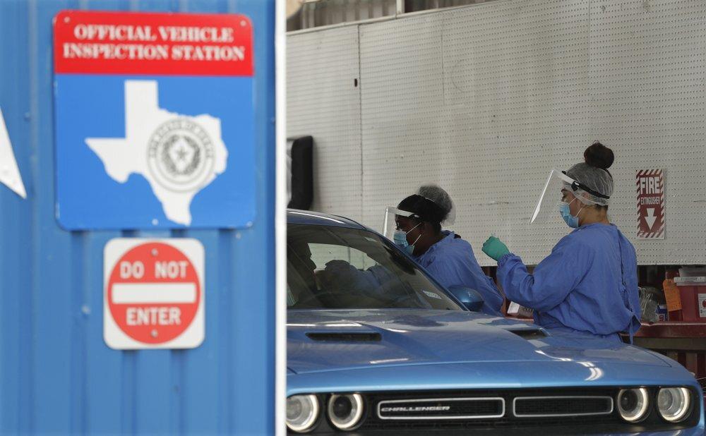 الولايات المتحدة تسجل خلال يوم 1.2 ألف وفاة وأقل من 60 ألف إصابة بكورونا