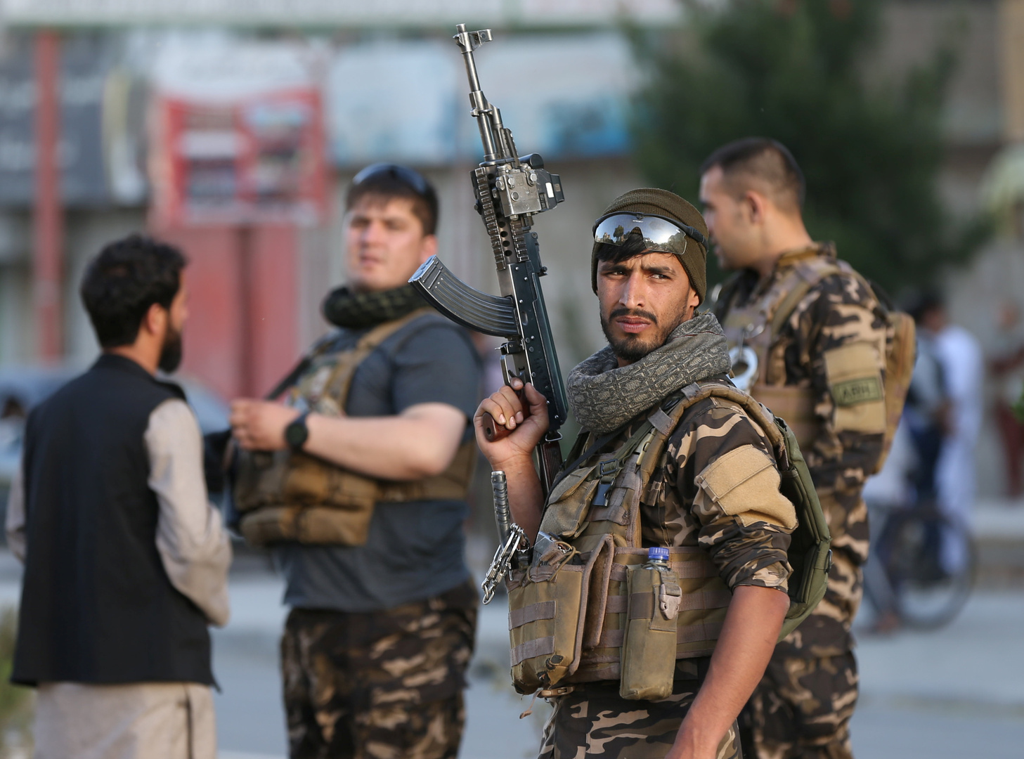قتيلان و20 جريحا بهجوم مسلحين مجهولين على سجن شرق أفغانستان