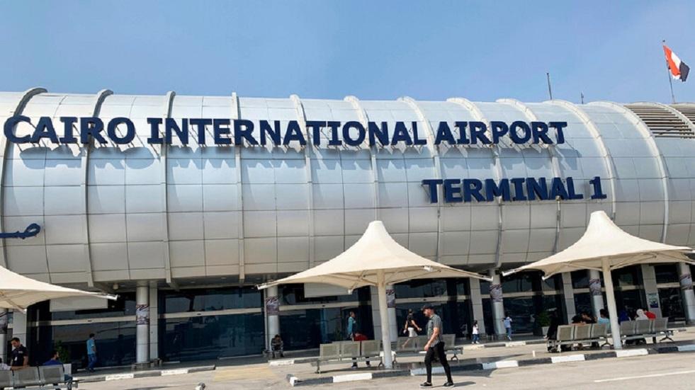 جمارك مطار القاهرةتحبط تهريب كمية من المواد المخدرة (صور)