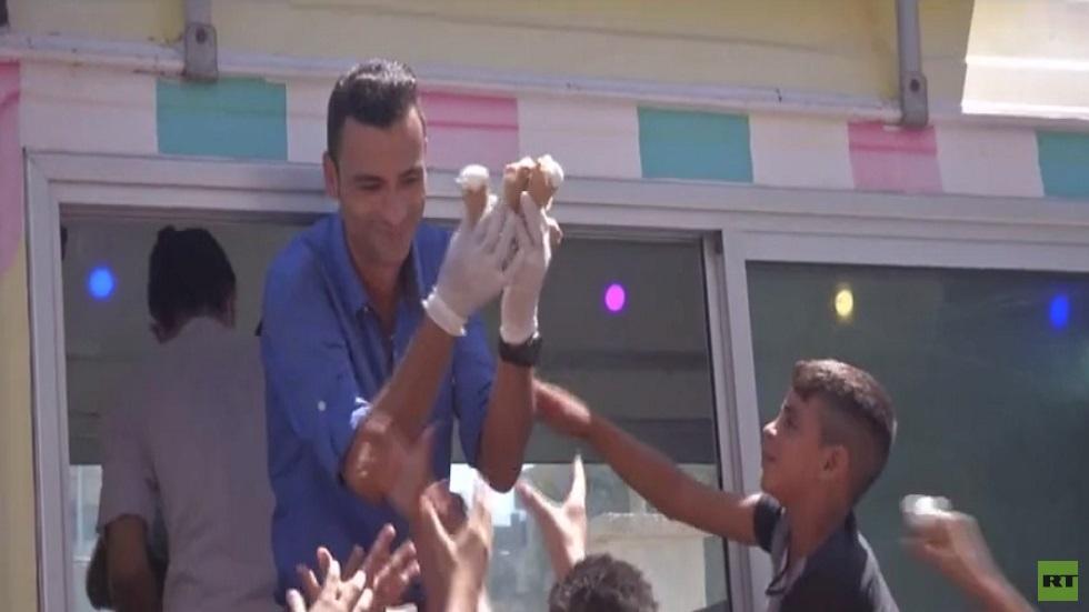 مبادرة لتوزيع المثلجات على أطفال غزة مجانا
