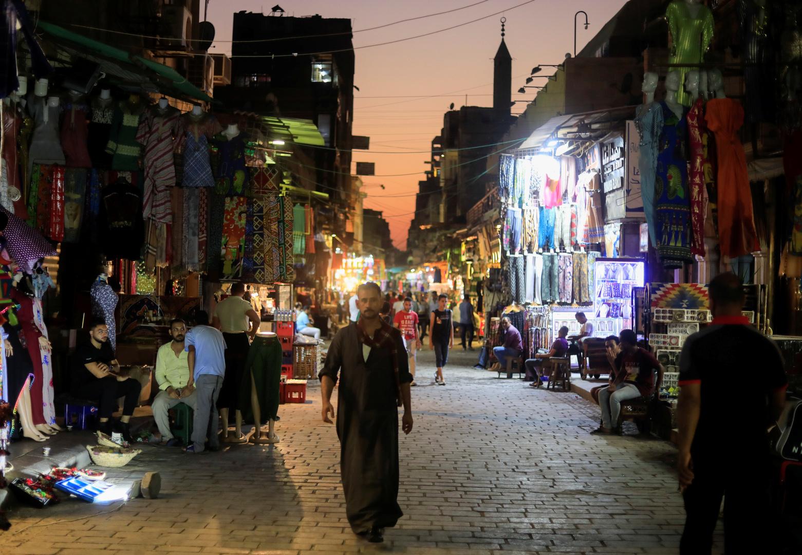 مصر تسجل تراجعا كبيرا في إصابات كورونا
