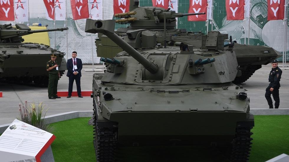 قوات المظليين في الجيش الروسي تستعد لاستقبال عربات مدفعية جديدة