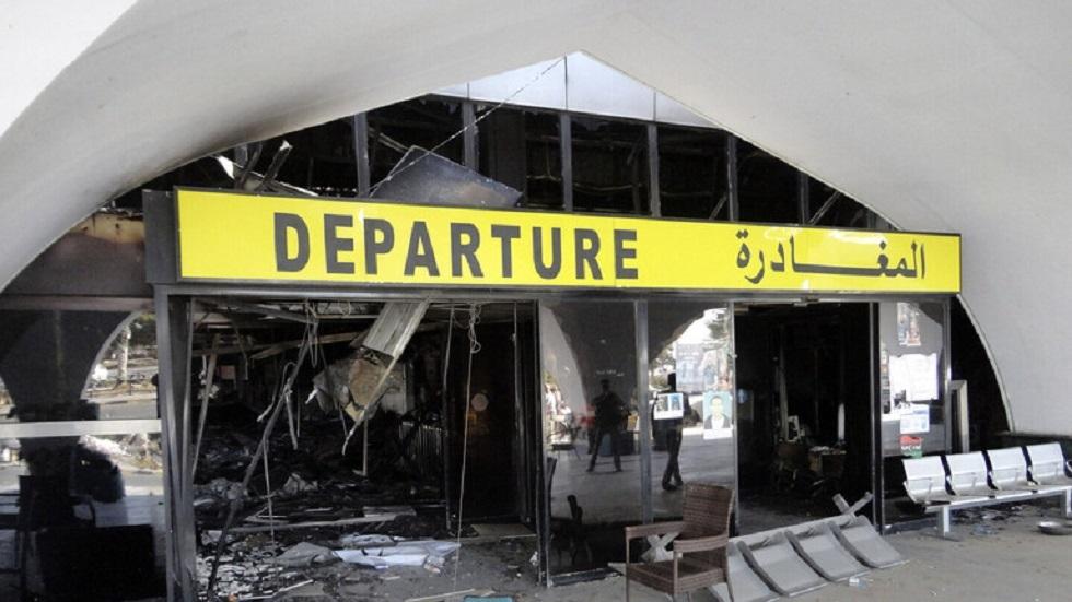 مراسلنا: اندلاع حريق هائل في مطار مدينة مصراتة بليبيا - صور