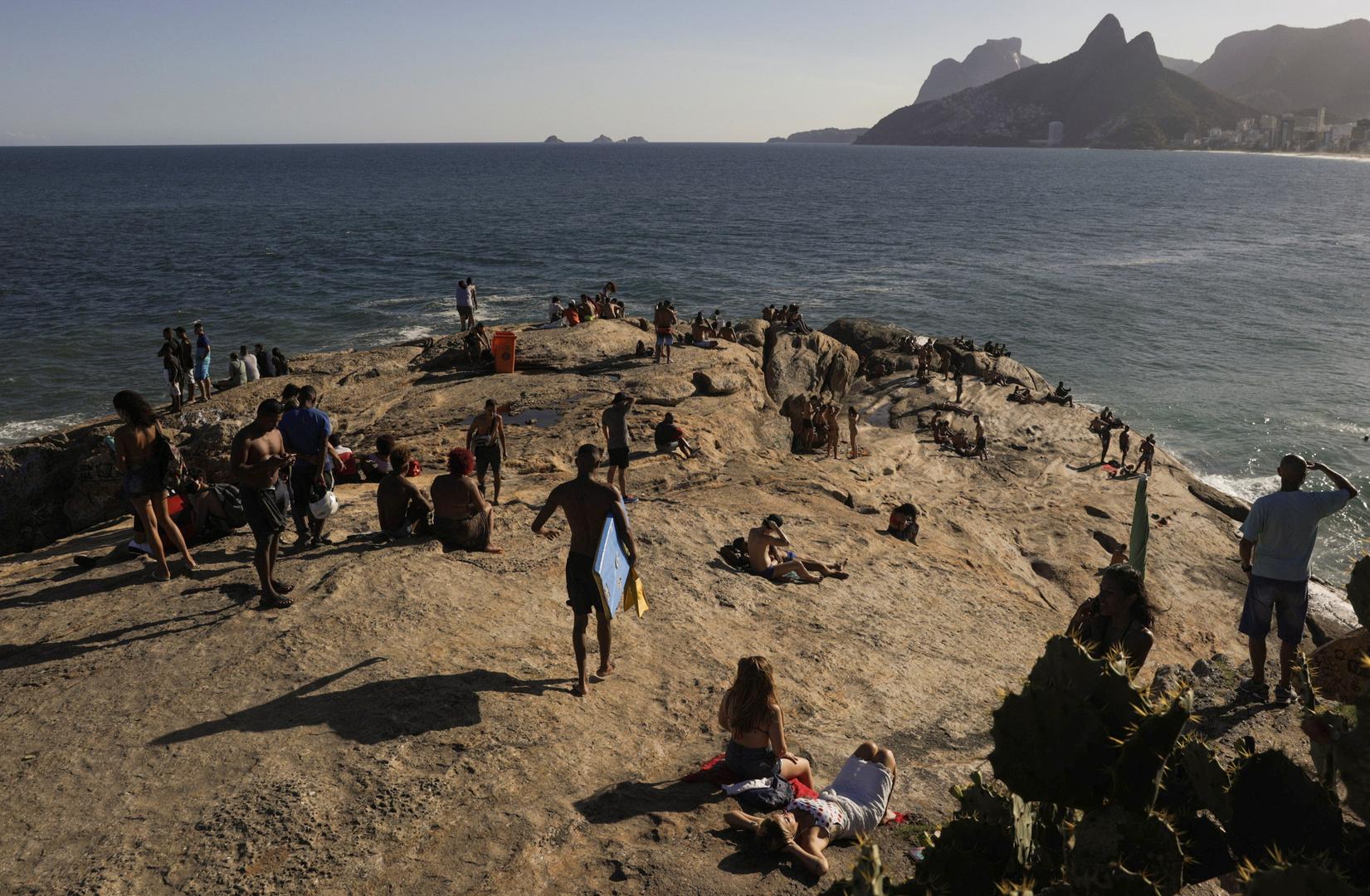 البرازيل.. الحصيلة اليومية لإصابات كورونا تنخفض إلى ما دون 20 ألفا