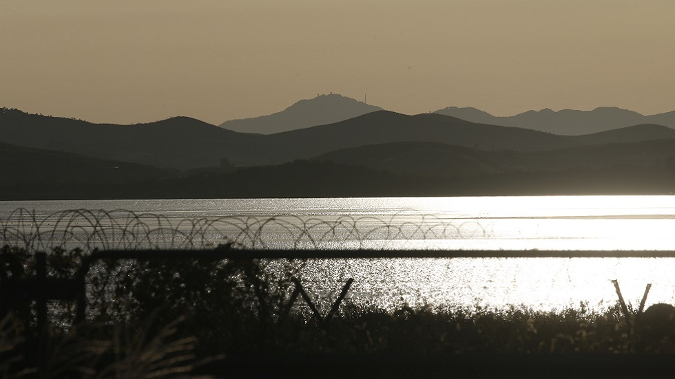 نهر إم جين على الحدود بين الكوريتين