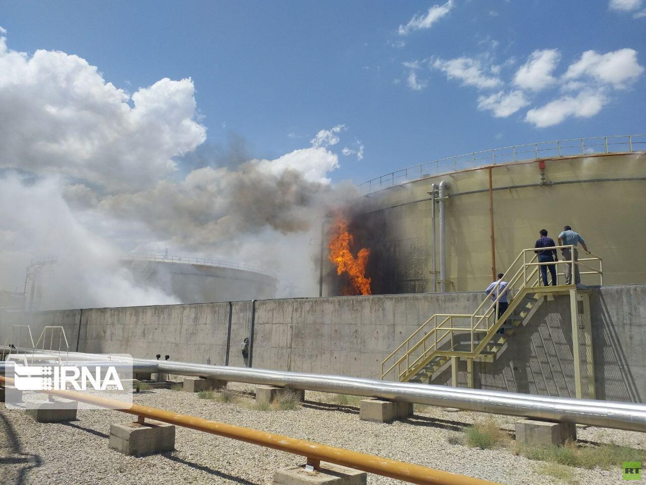محاولة  السيطرة على حريق في محطة لتوليد الطاقة شرقي طهران