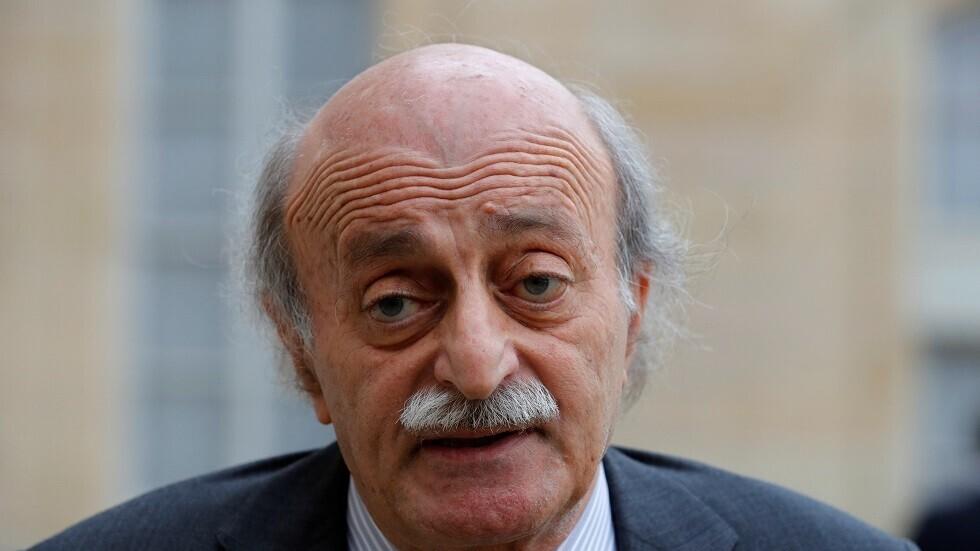 جنبلاط يتساءل: لصالح من أتت تلك المواد القابلة للتفجير في بيروت؟