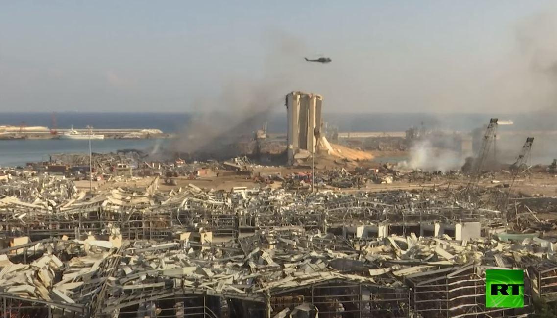 مروحيات الجيش تواصل إطفاء الحرائق  في مرفأ بيروت