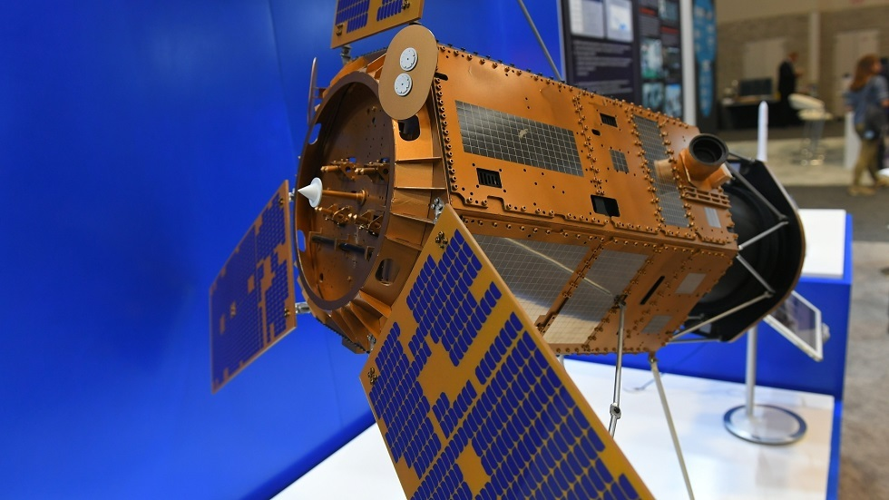 صورة أرشيفية لنموذج قمر صناعي روسي