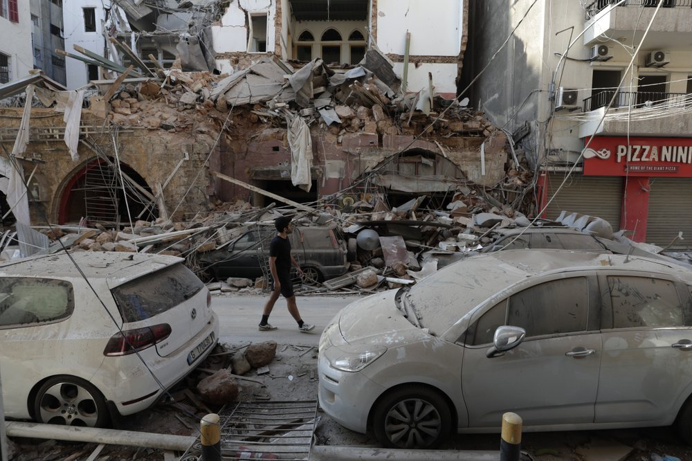 بعد انفجار المرفأ.. سحابة سامة تهدد سكان بيروت