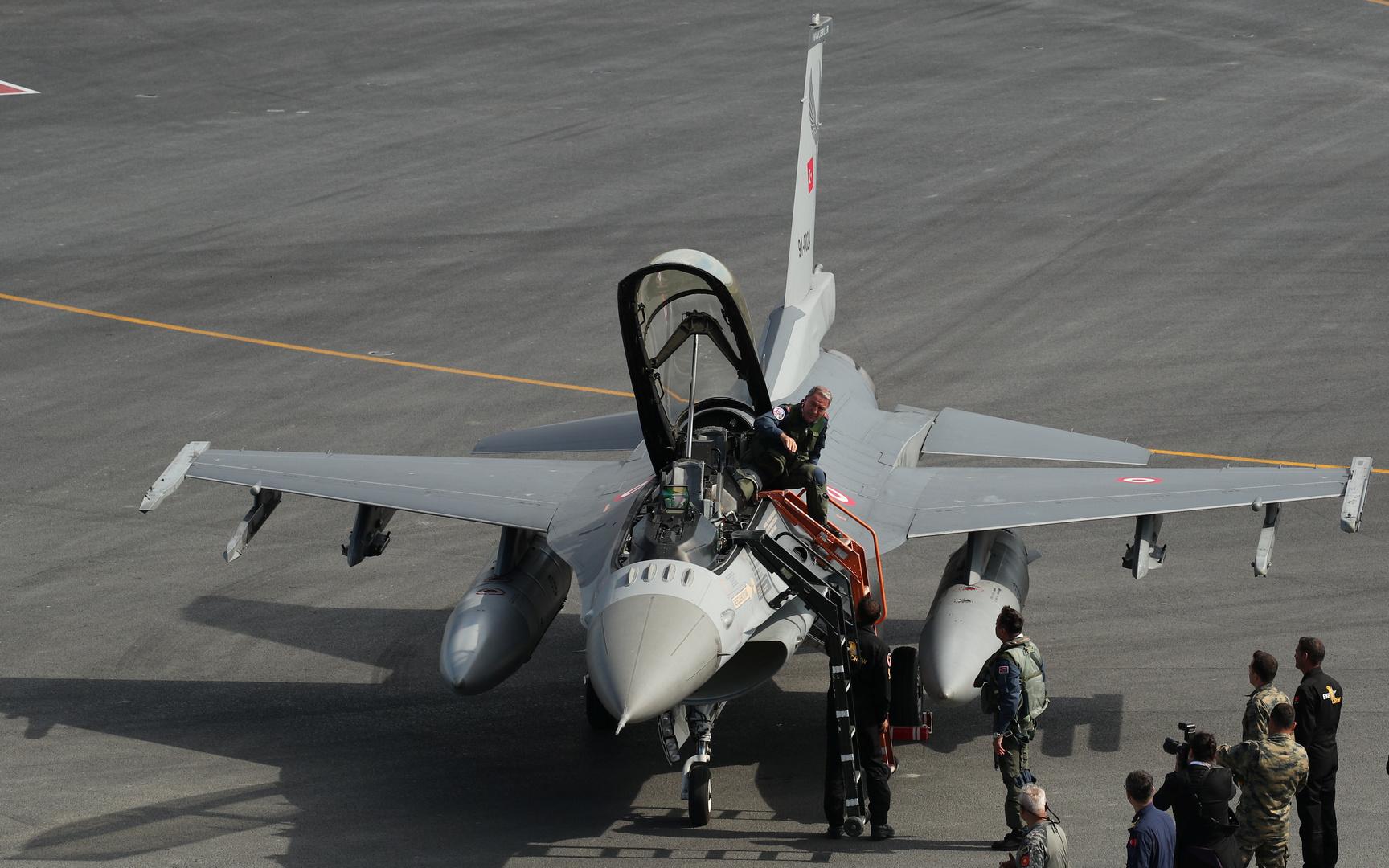 مقاتلات تركية تنتهك أجواء اليونان 33 مرة بيوم واحد