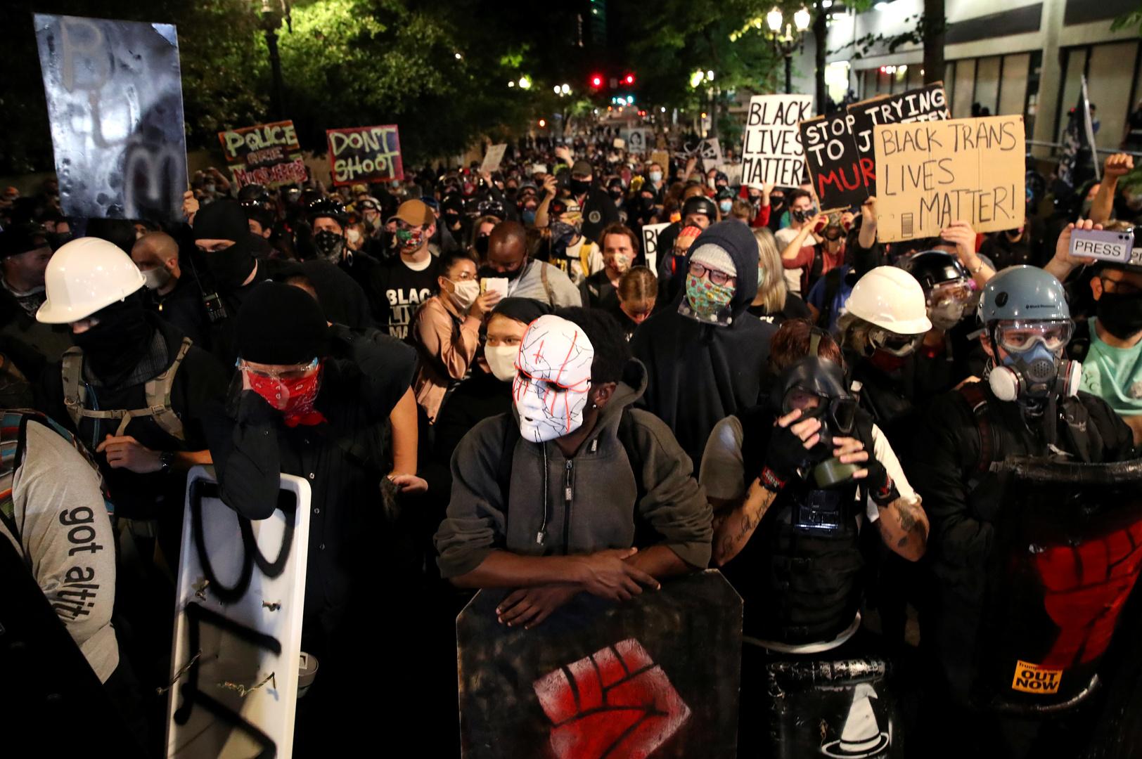 احتجاجات على عنصرية رجال الشرطة  في مدينة بورنلاند الأمريكية