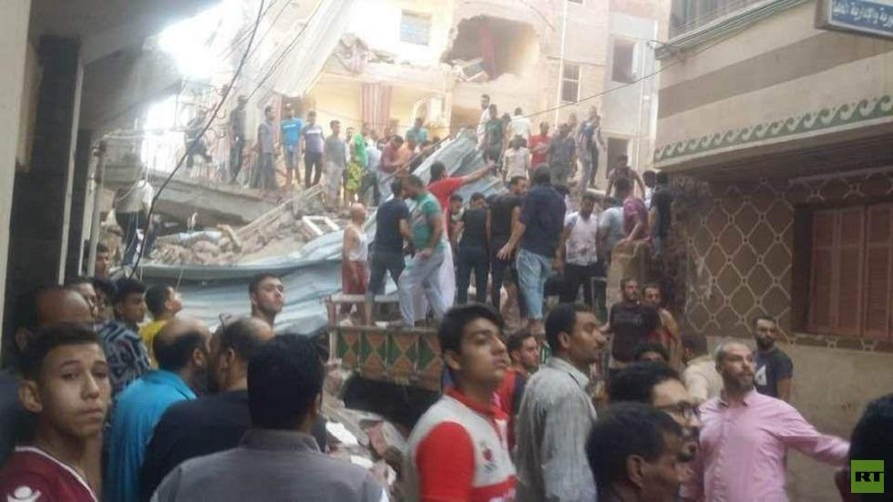 مصر.. انهيار عقار بمدينة المحلة والأمن يكثف جهوده بحثا عن مفقودين (صور)