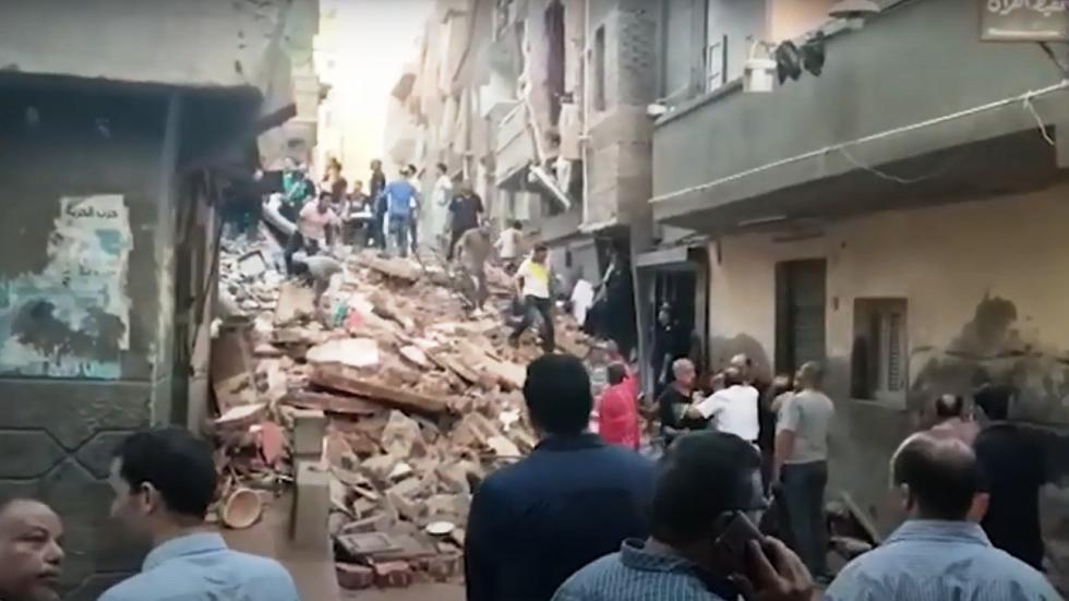 مصر.. استخراج 7 جثامين من تحت أنقاض منزل انهار بالمحلة (فيديو)