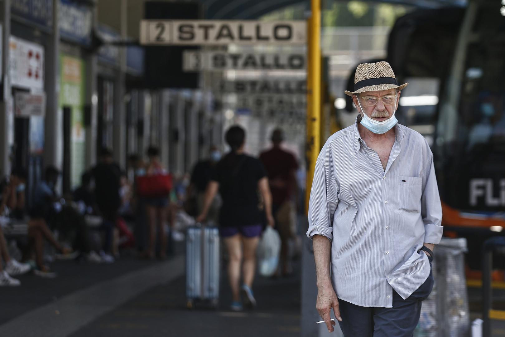إيطاليا تسجل أكبر قفزة في إصابات كورونا منذ مايو