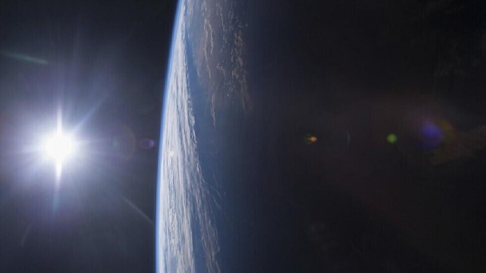 ناسا تستخدم القمر كمرآة فضائية عملاقة لاكتشاف المجرات القريبة