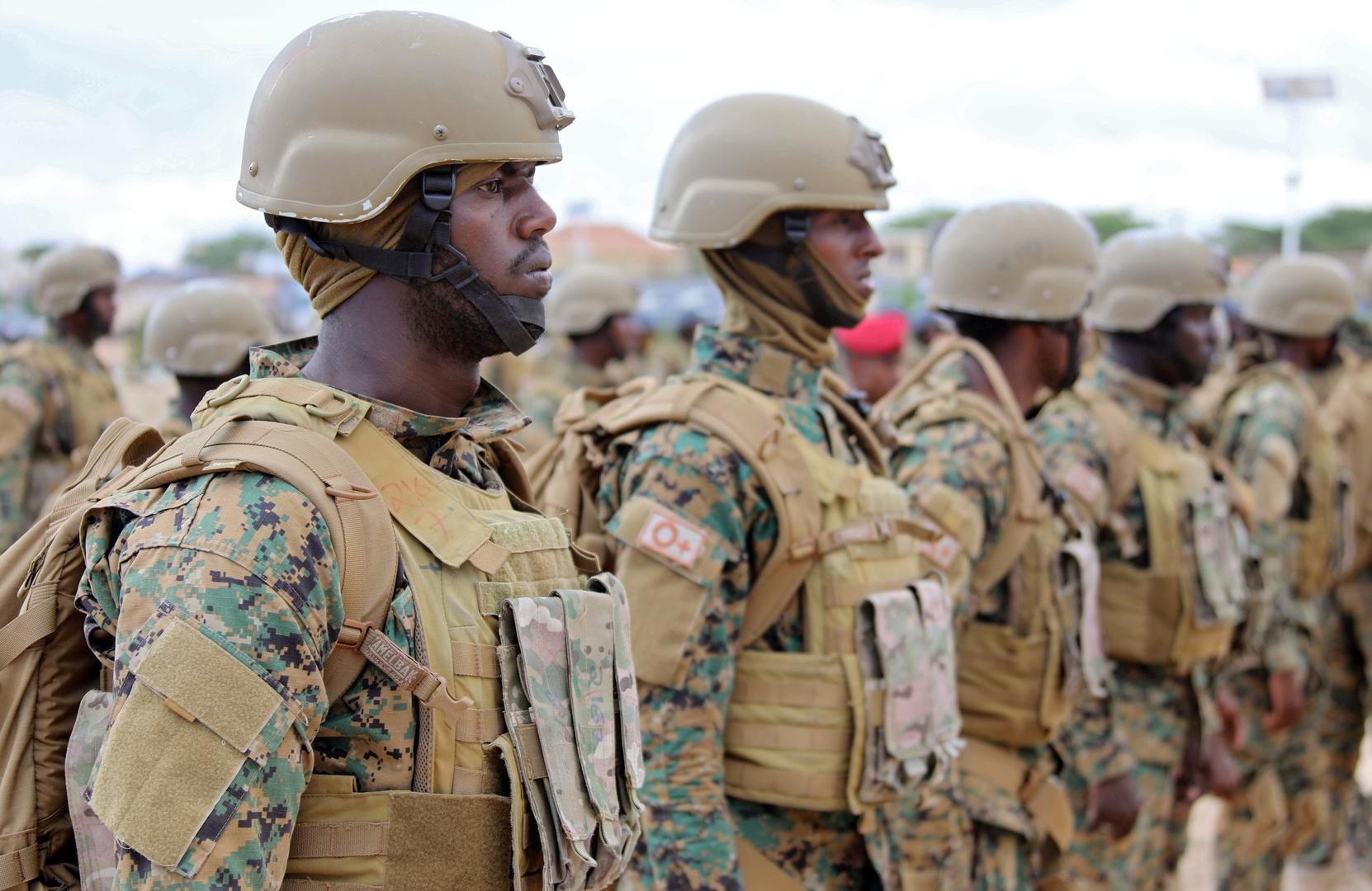 قتلى وجرحى بهجوم استهدف قاعدة عسكرية في العاصمة الصومالية مقديشو