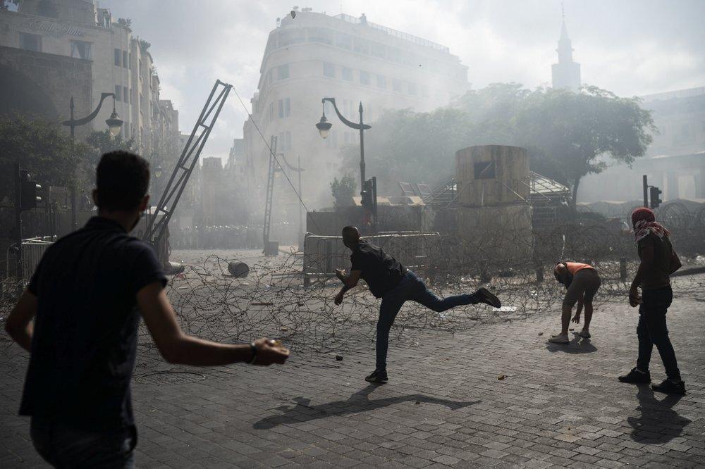 سماع دوي إطلاق نار خلال مظاهرات بيروت