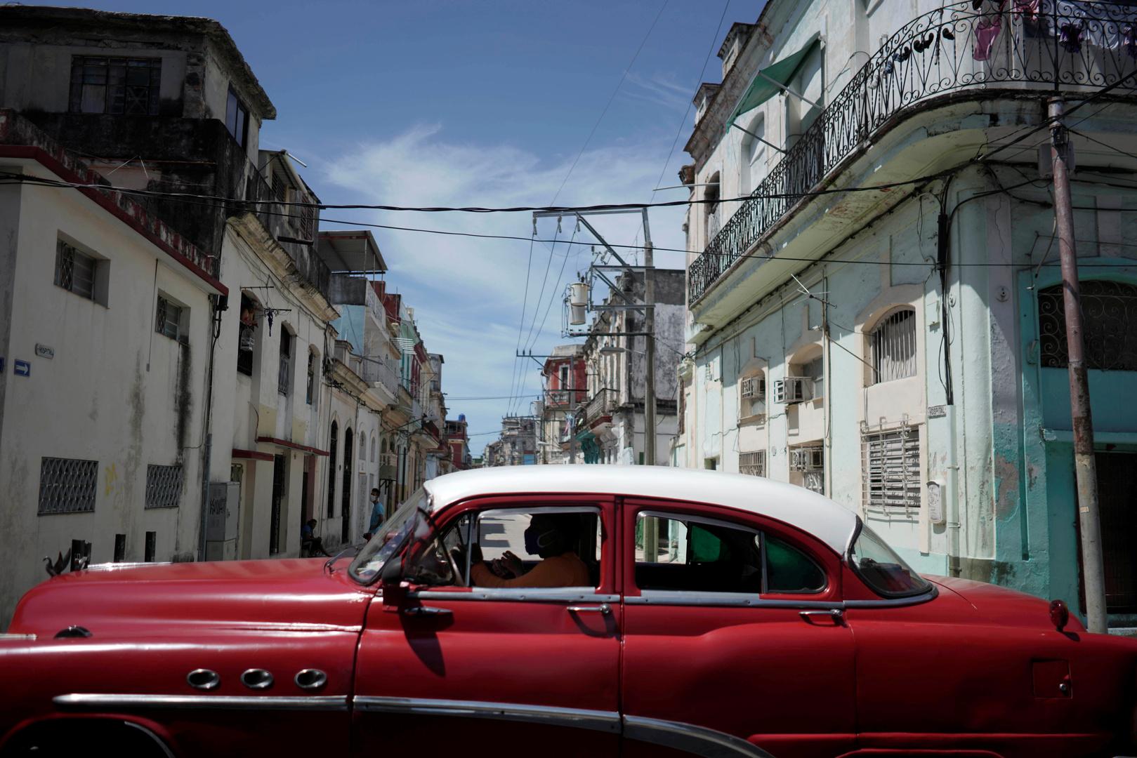 بعد 3 أسابيع من تسجيل صفر إصابات بكورونا.. كوبا تعود لقيود عزل صارمة