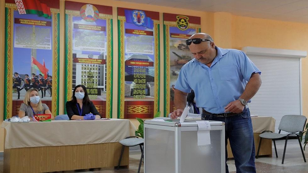 الخيار بين الرئيس الحالي ومعلمة سابقة.. بيلاروس تختتم اليوم الانتخابات الرئاسية