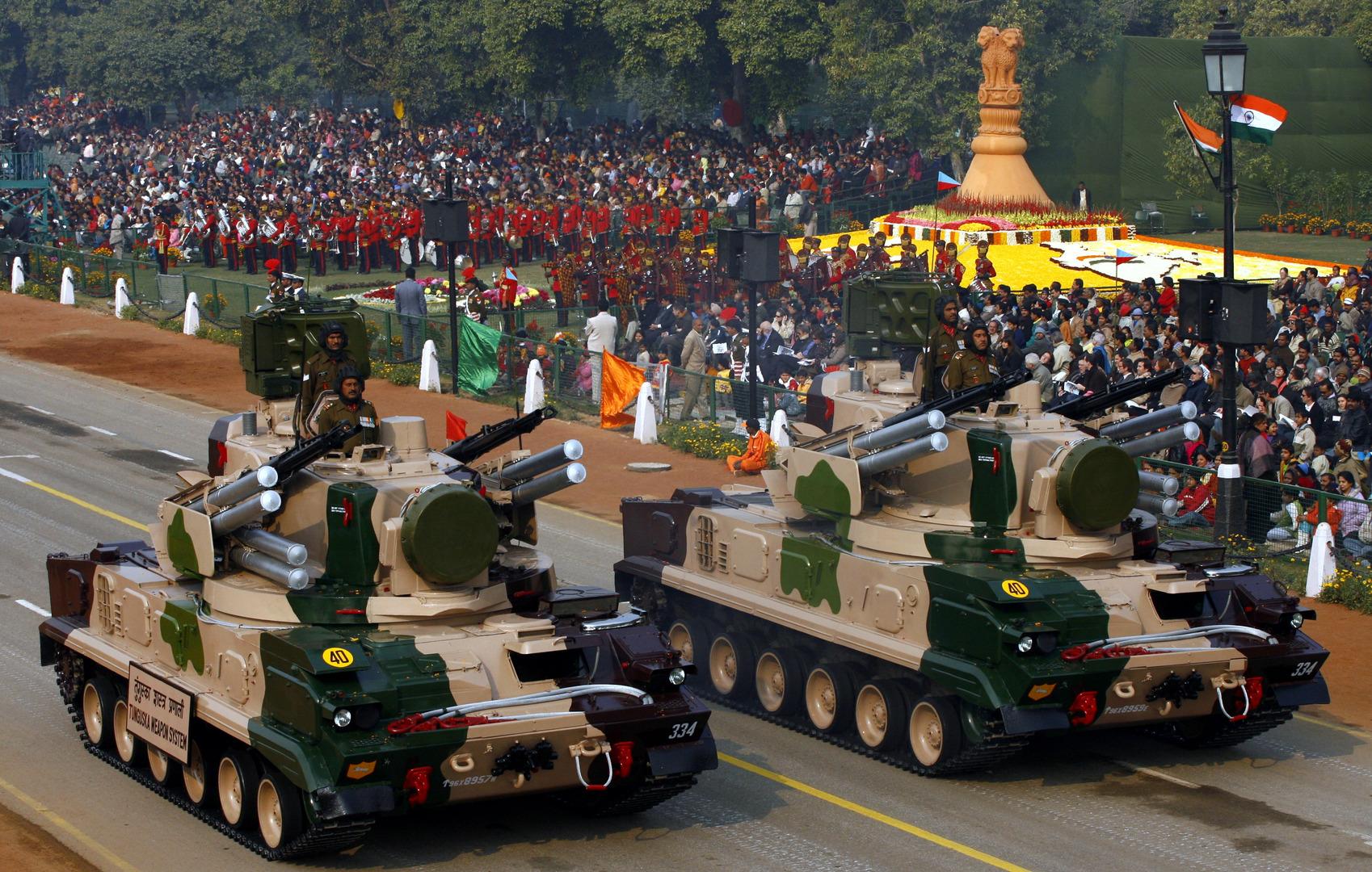 الهند تحظر استيراد أكثر من 100 نوع من العتاد العسكري سعيا للاكتفاء الذاتي