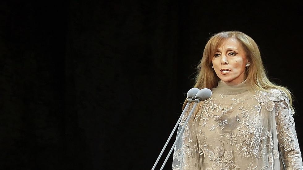 شائعات حول الفنانة اللبنانية فيروز وابنتها ترد على