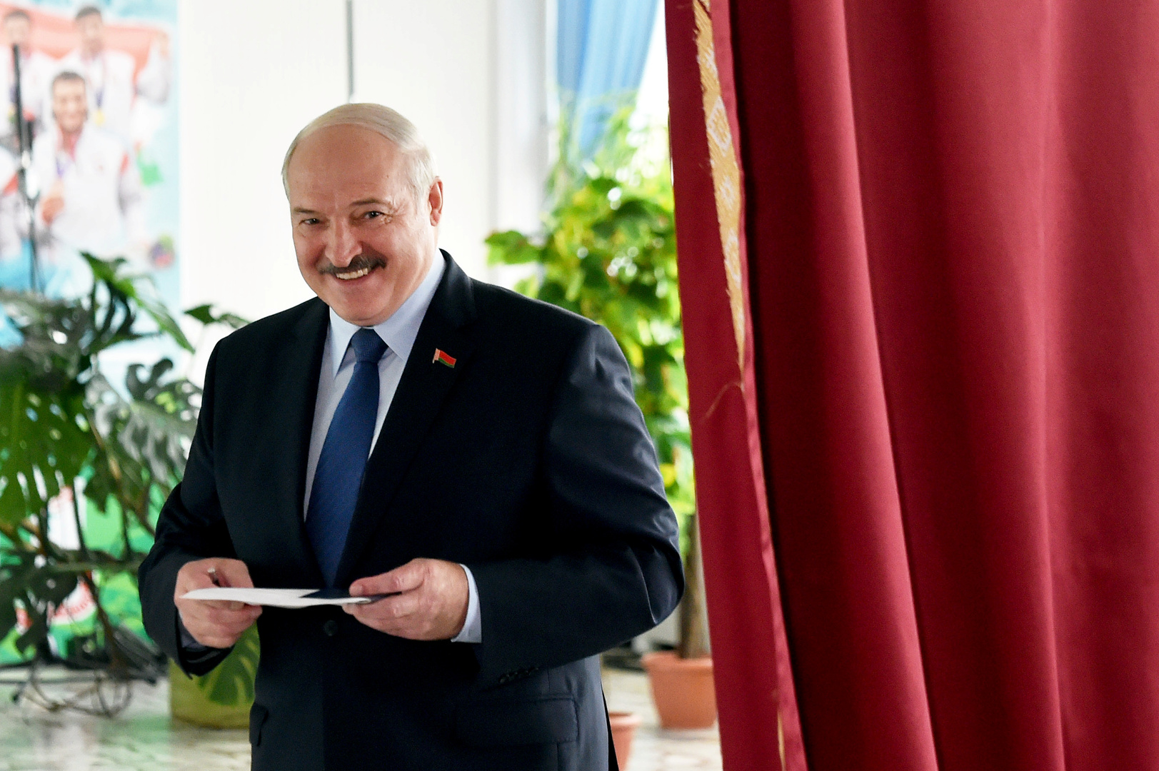 بوتين يهنئ لوكاشينكو بفوزه في الانتخابات الرئاسية البيلاروسية