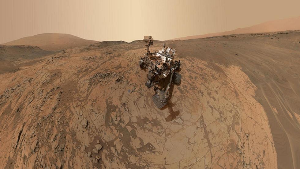 ناسا تشارك صورا مذهلة من سطح المريخ احتفالا بالذكرى الثامنة لهبوط