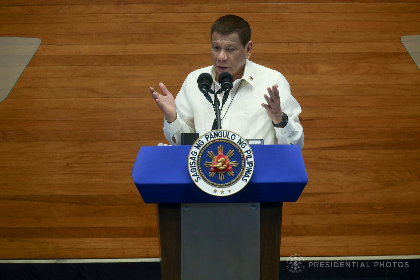 رئيس الفلبين يعلن استعداده لاختبار اللقاح الروسي ضد كورونا على نفسه