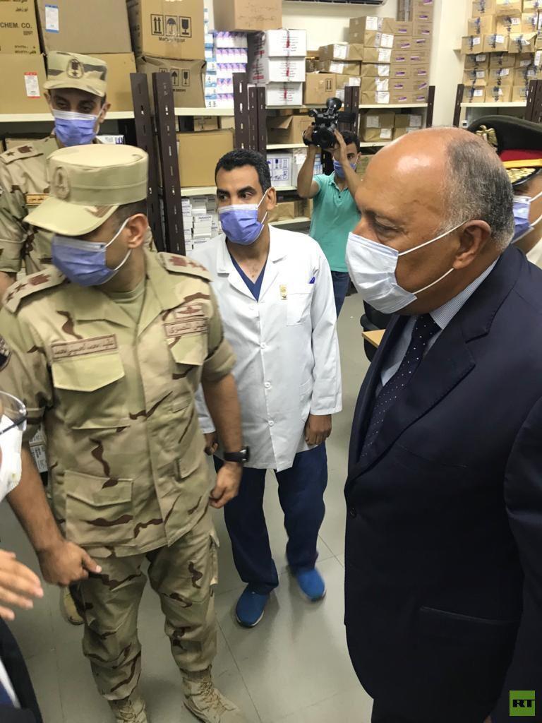 وزير الخارجية المصري: السيسي أمر بتسخير كافة الجهود لمساعدة لبنان وسنطلق جسرين جوي وبحري