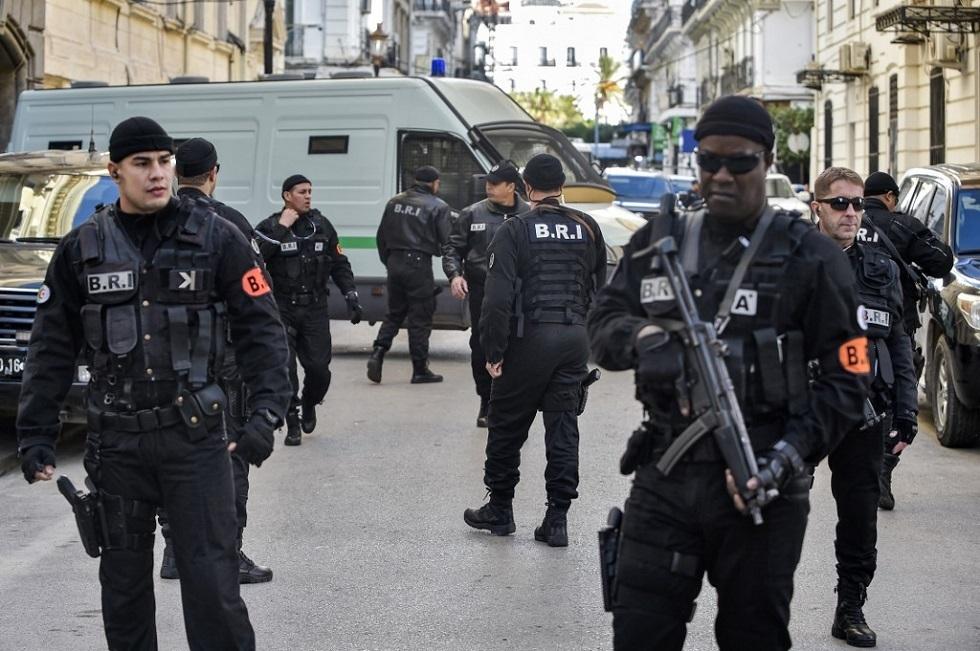 ضبط عصابة إجرامية يقودها لاعب دولي سابق في الجزائر