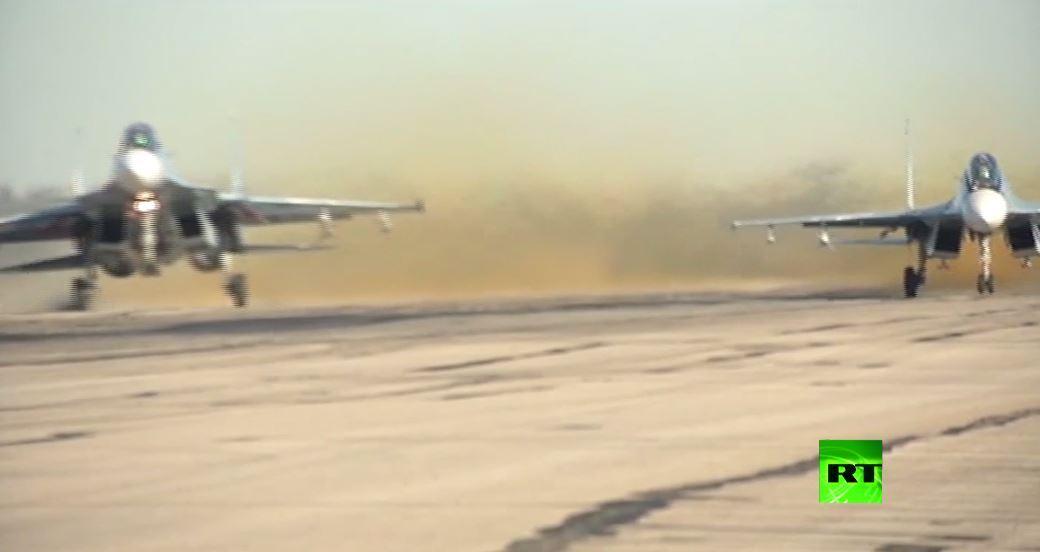 بالفيديو.. فعاليات بمناسبة عيد سلاح الجو الروسي في قاعدة حميميم