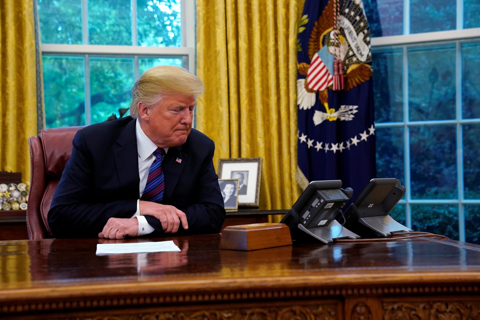 الرئيس الأمريكي دونالد ترامب في المكتب البيضاوي