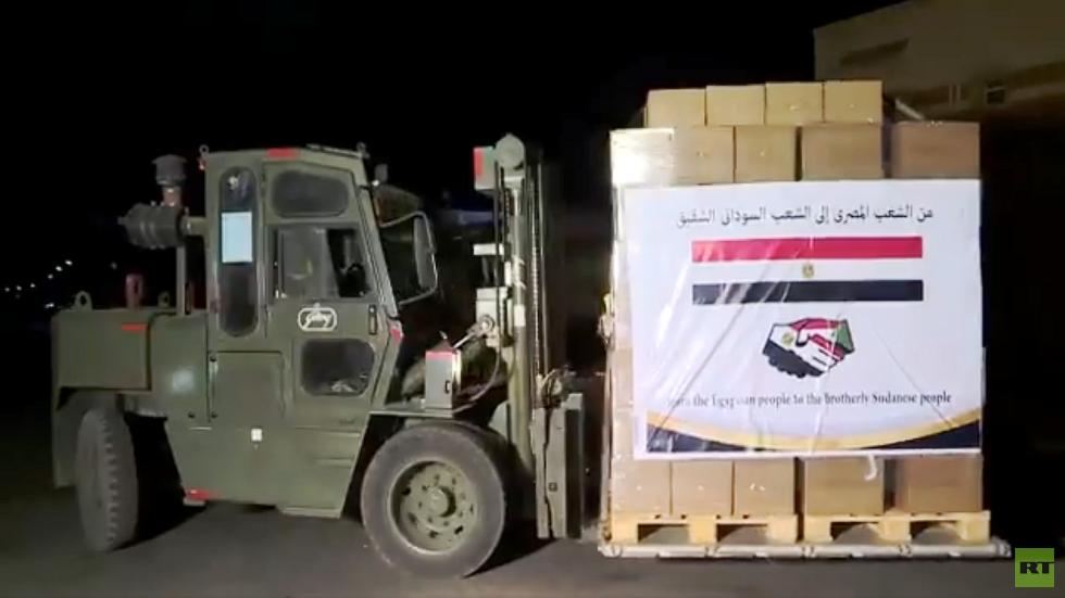 مصر ترسل مساعدات عاجلة للسودان (فيديو)