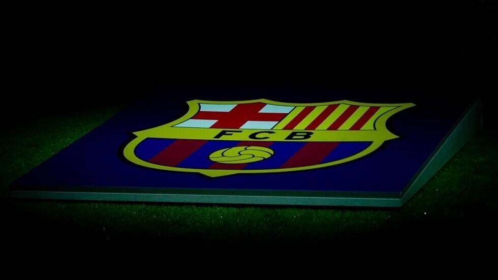 رسميا.. برشلونة يقدم مدربه الجديد أمام الإعلام (فيديو)