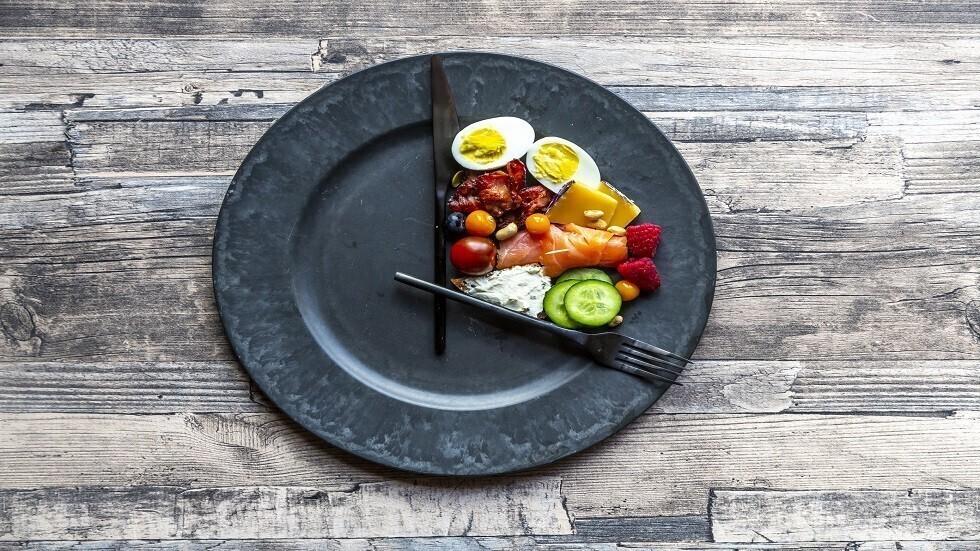 كيف يكون وقت تناول الطعام  المفتاح لفقدان الوزن بنجاح؟