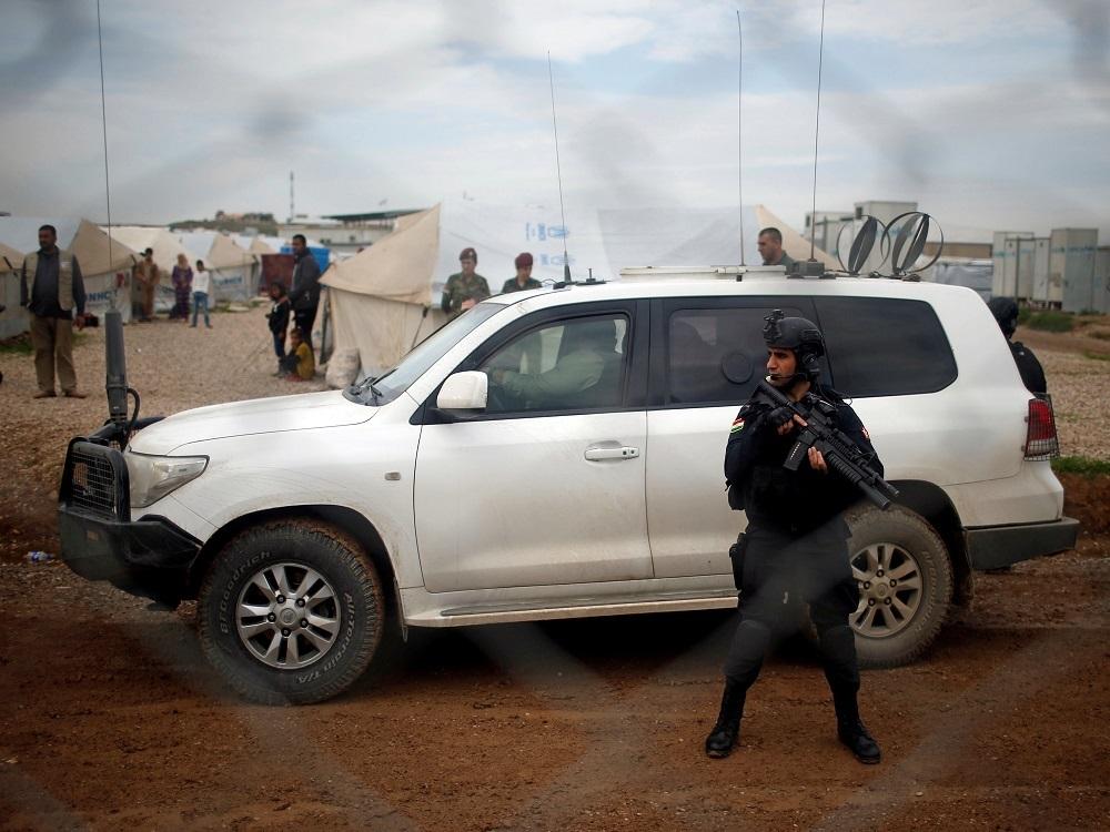سيارة تابعة للأمم المتحدة في مخيمات مدينة الموصل