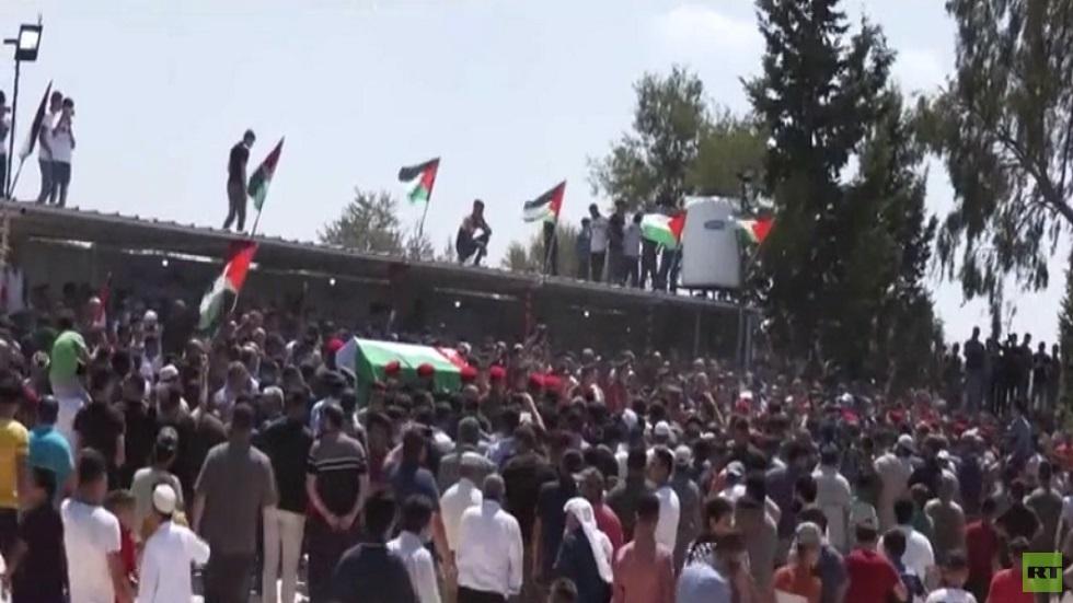 الاستيطان الإسرائيلي يجرف القبور