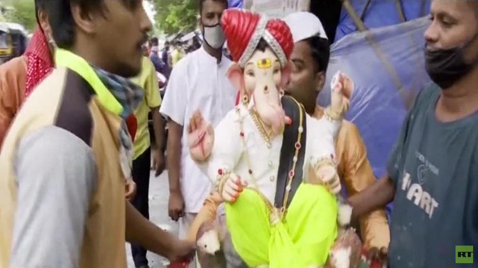 مهرجان غانيش الهندي الشهير تحت وطأة كورونا