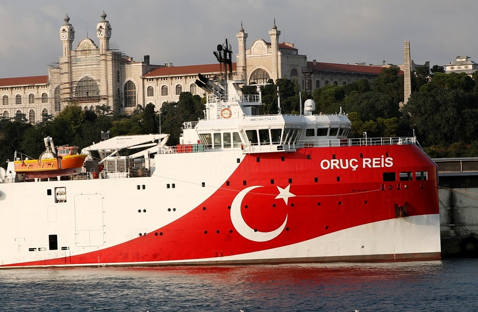 الحكومة التركية تمدد مهام سفينة