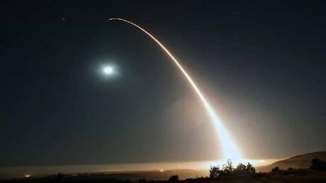 واشنطن تختبر بنجاح صاروخا عابرا للقارات يحمل 3 رؤوس نووية