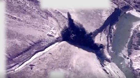 """التحالف الدولي يعلن شنه ضربات جوية ضد """"داعش"""" شمالي العراق"""