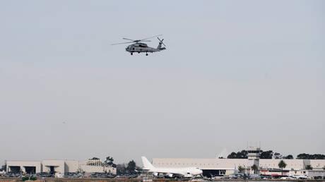 FBI يفتح تحقيقا بإطلاق نار على مروحية عسكرية وإصابة طيارها في فيرجينيا الأمريكية